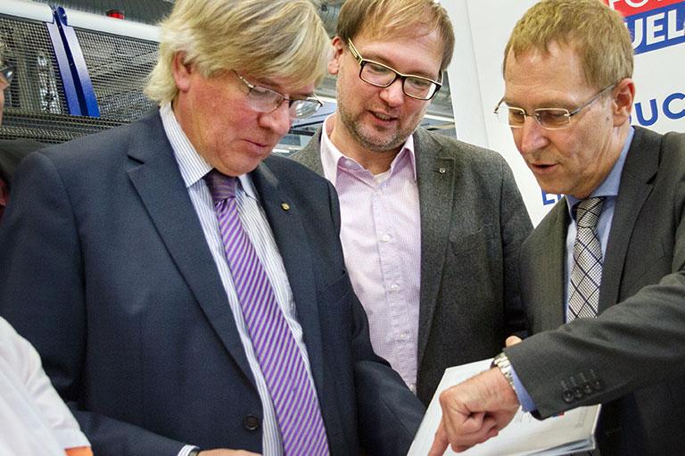 v.l.n.r. Hartmut Möllring, Lars-Jörn Zimmer, Peter Warns
