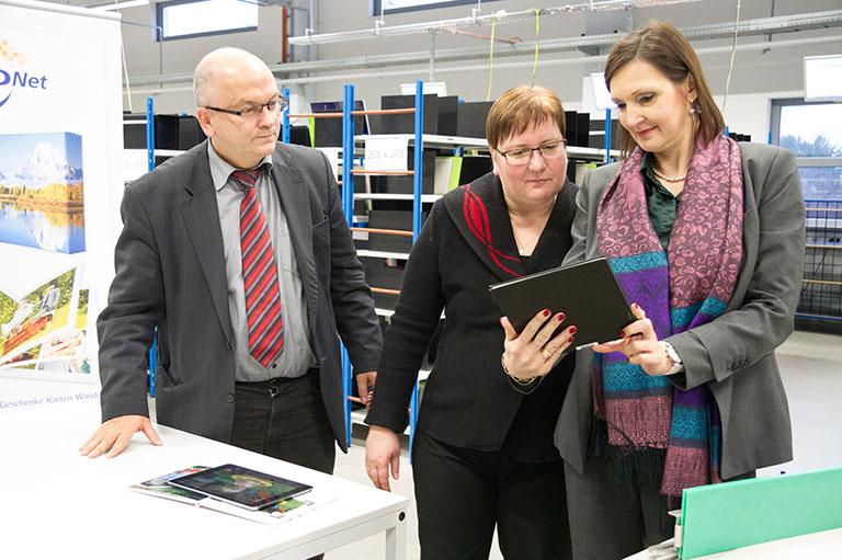v.l.n.r. Dr. Gerhard Köhler, Iris Gleicke, Prof. Dr. Angela Kolb-Janssen
